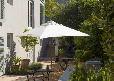 Four-Rosmead_Bellgables courtyard