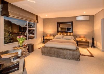 J&G_Hout Bay_Masculine Bedroom _4_S