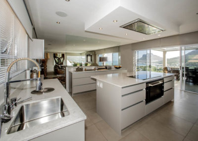J&G_Hout Bay_Modern Kitchen _3_S